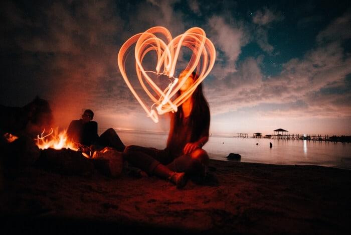 Set Up A Romatic Bonfire On The Beach